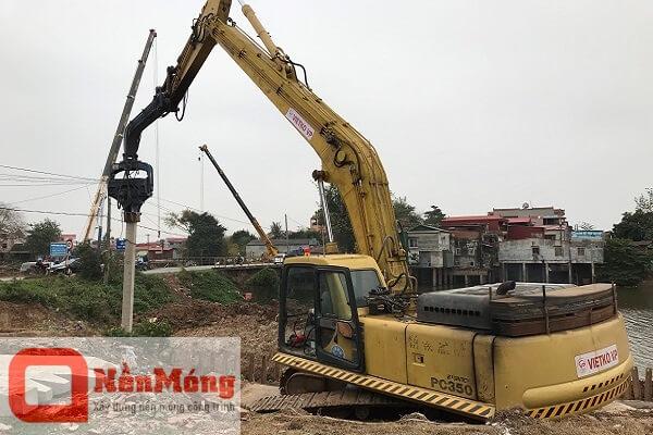 Đóng cọc bê tông 250x250 cầu Nét Bắc Ninh