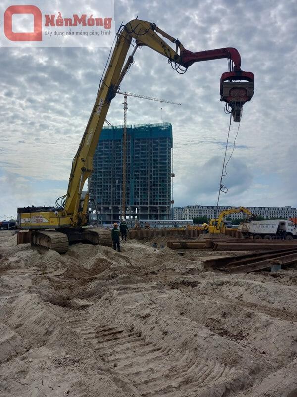 Đóng nhổ cừ Larsen 9m, dự án thu hồi nước thải Quảng Bình